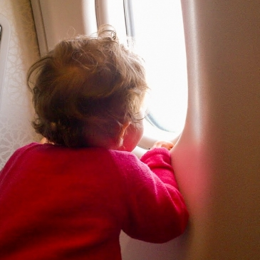 Flying with baby : my 24 hours trip alone with my daughter