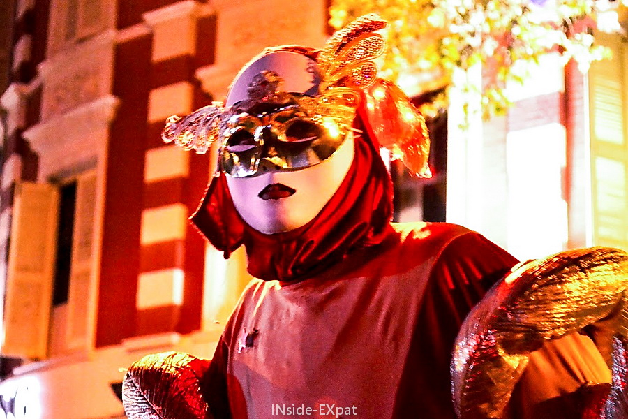 Masque venitien au singapore night festival