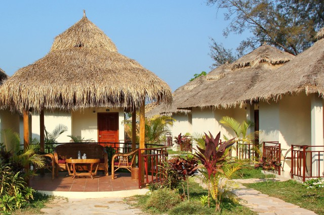 Eolia Beach Bungalows 1