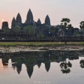 Reflet d'Angkor Vat au lever du soleil