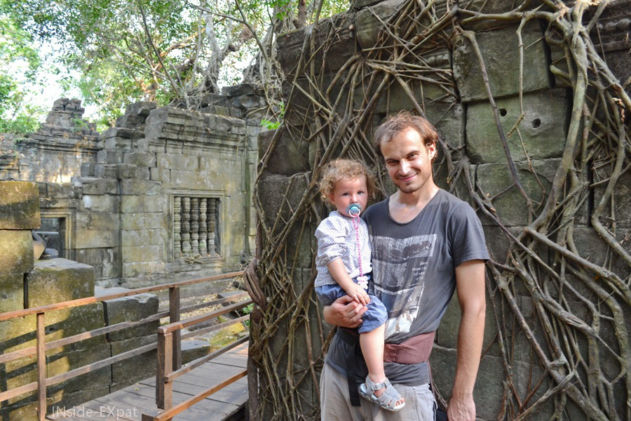 Mimi et Daddy dans le temple khmer de Beng Mealea (Cambodge)