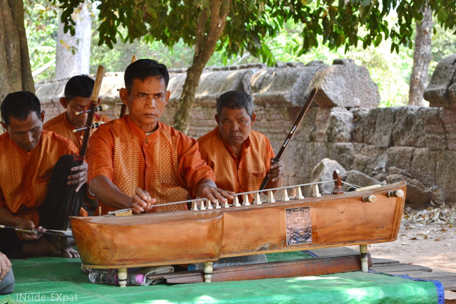 Groupe de musique traditionnelle au Cambodge