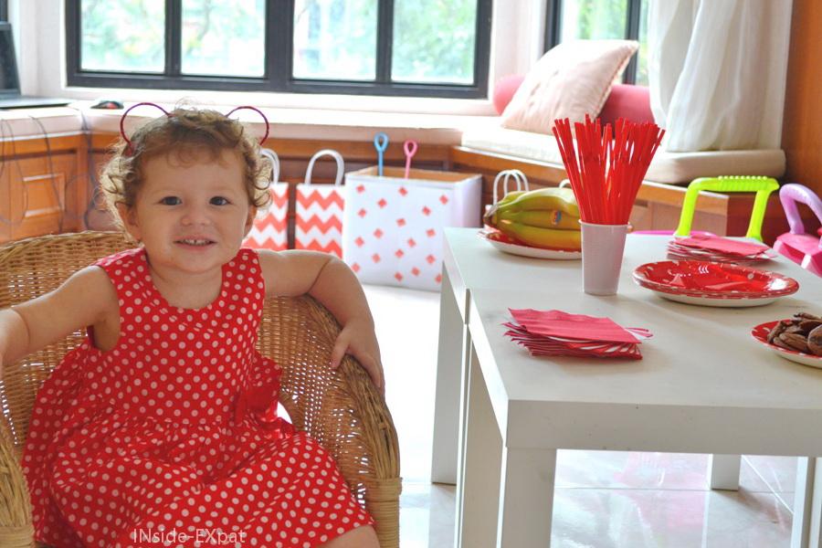 inside-expat-decorations-anniversaire-rouge