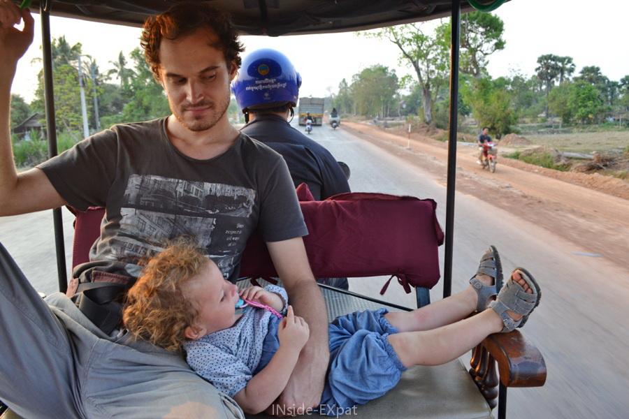 Retour à l'hôtel de Siem Reap en tuktuk pour Mimi et Daddy