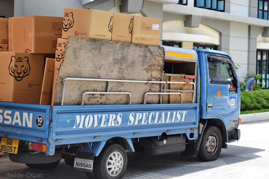 camion de déménagement prêt à partir