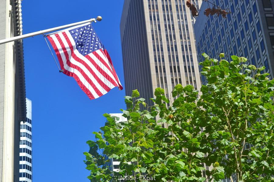 Drapeau américain sur Market Street, San Francisco