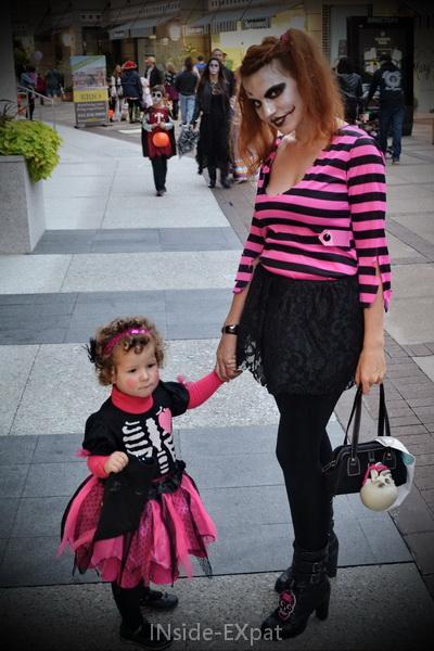 Mimi B. et Mummy B. à Broadway Plaza