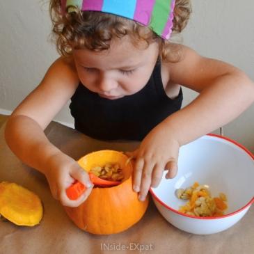 Sculpture de citrouilles et décorations d'Halloween