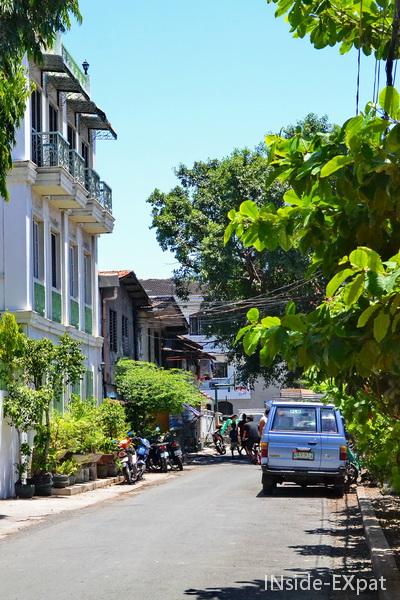 Rue calme dans Intramuros