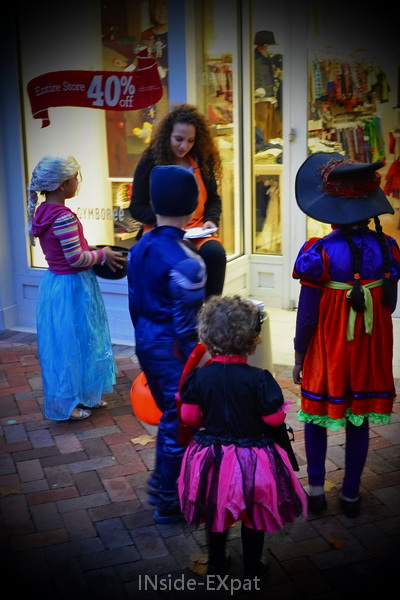 trick or Treat @ broadway plaza