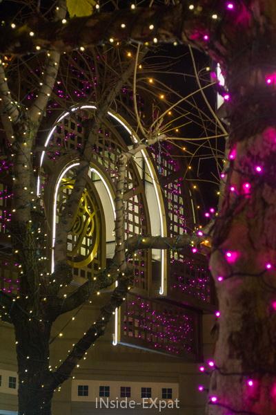 Déco de Noël à Broadway Plaza