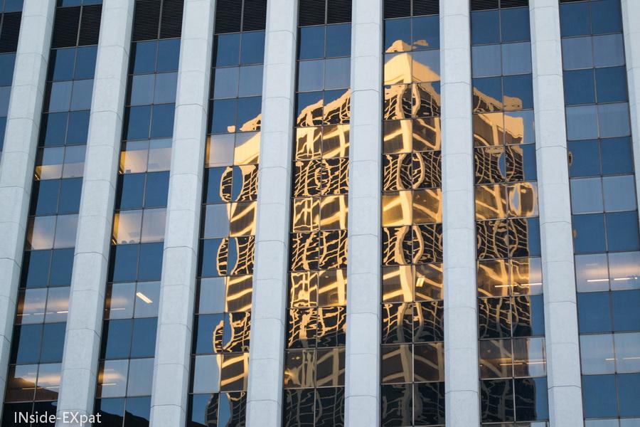 Reflet d'un building