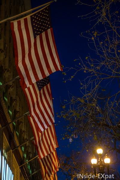 Drapeaux americains la nuit