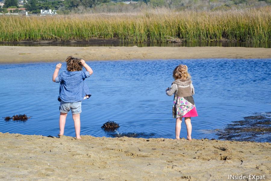 Mimi et Lana au bord de la lagune