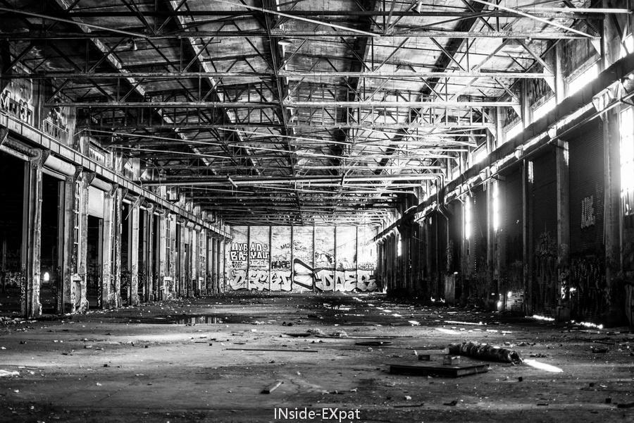 L'usine en N&B