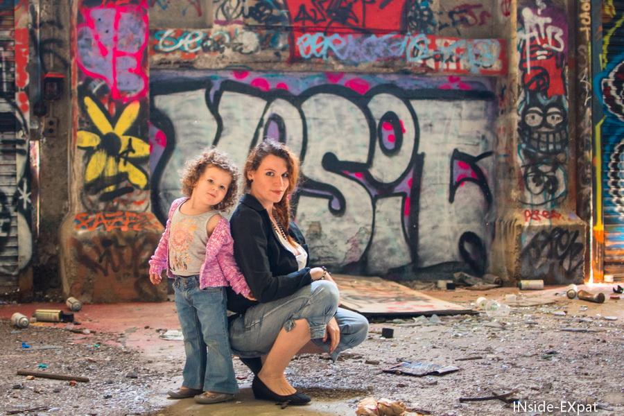 mère-fille street art