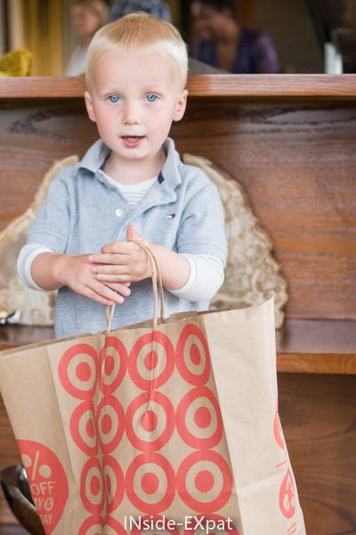 petit E. et son grand sac