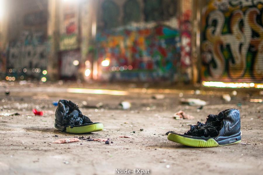 Paire de Nike brulées