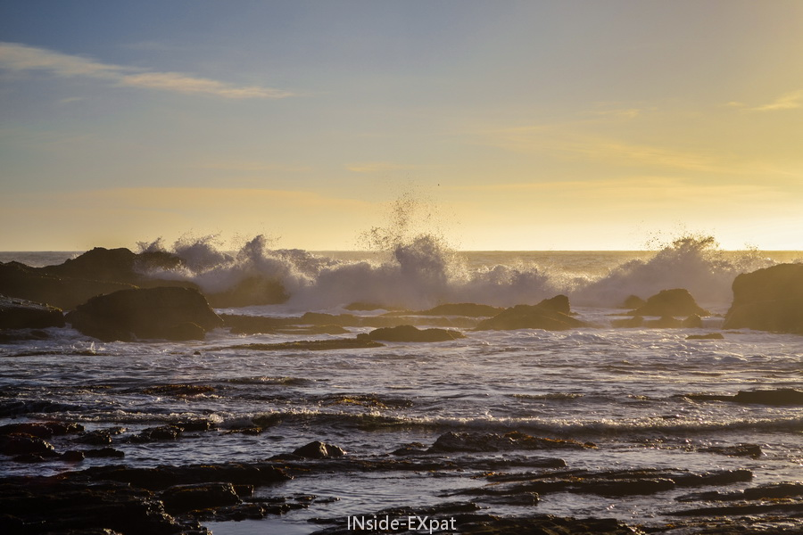 Le soleil dans les vagues