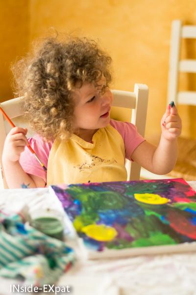 en pleine leçon de peinture