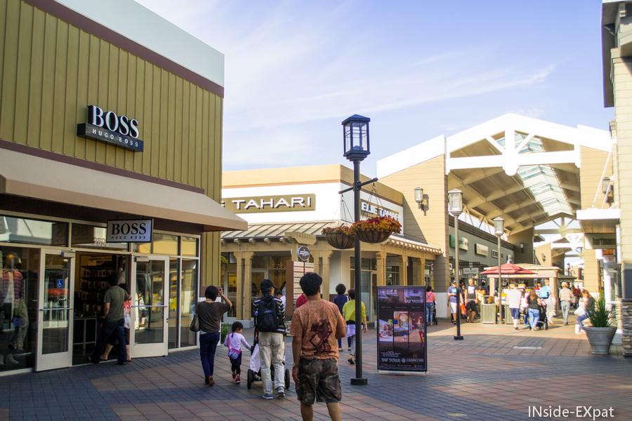 Les allées du SF Premium Outlets