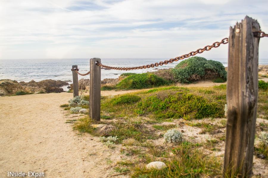 Chemin bordant les plages