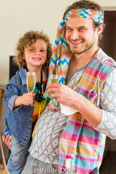 Mimi B; et Daddy B. au champagne