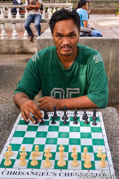 Mon adversaire et professeur d'échecs du jour