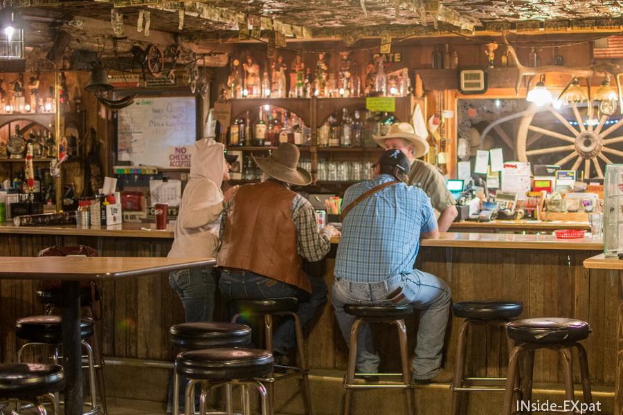 Clients au bar