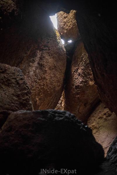 A l'intérieur de Balconies Cave