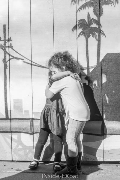 Lana & Mimi, le calin