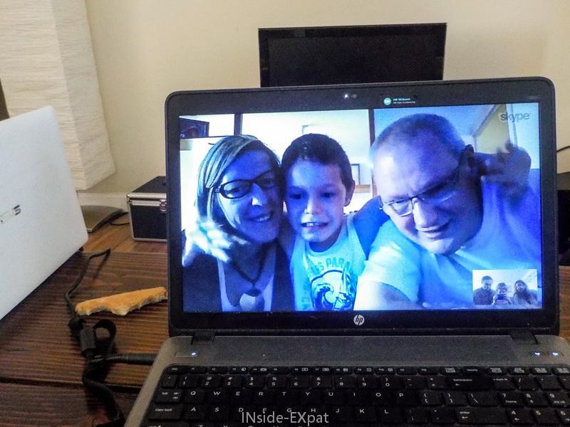 inside-expat-photographier-ecran-ordinateur-session-skype