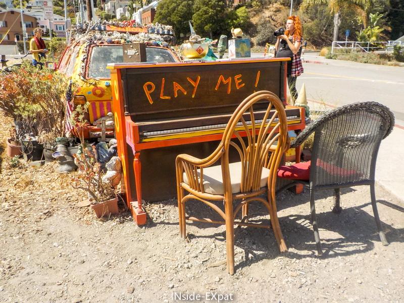 inside-expat-playme-piano-sausalito-hippie