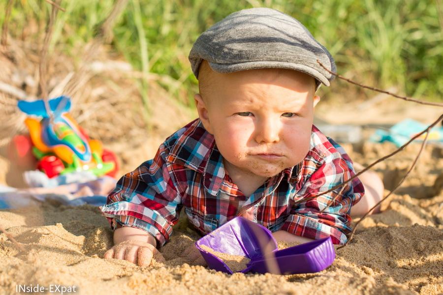lenny et sa casquette à la plage