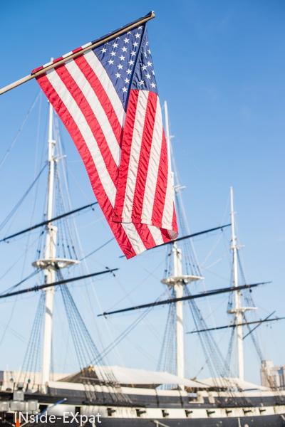 voilier et drapeau usa
