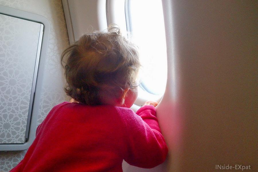 Mimi dans l'avion