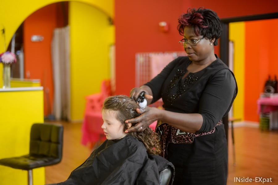 Mimi et la coiffeuse
