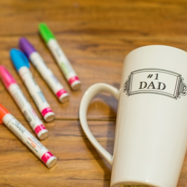 Father's Day DIY: a mug personalized with kid drawing!